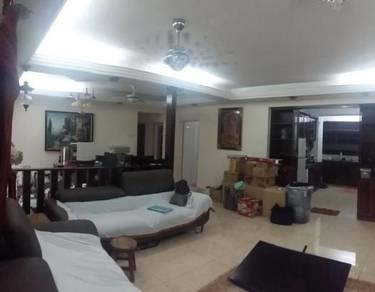 Beautiful condo 1 floor