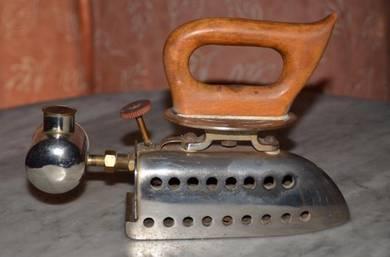 Vintage antique wama germany gasoline iron