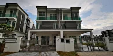 Nusa Sentral New and ready to move in Spring Meadow 3 Storey Cluster