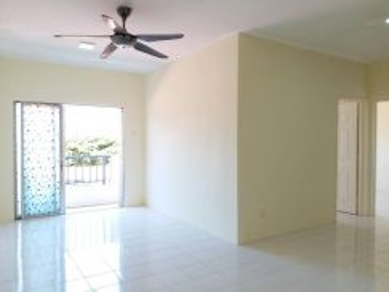 (Cash Back)(100% Loan) VISTA PINGGIRAN Apartment , Seri Kembangan