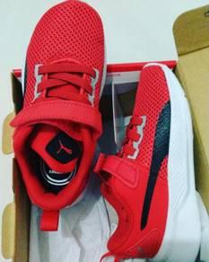 Puma kid shoe