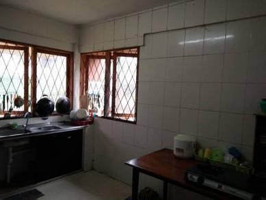 Bilik Ekonomi & Bajet Di Kuching Kamdar Dongan Batu Kawa