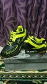 Yonex 75r badminton shoes size us 9