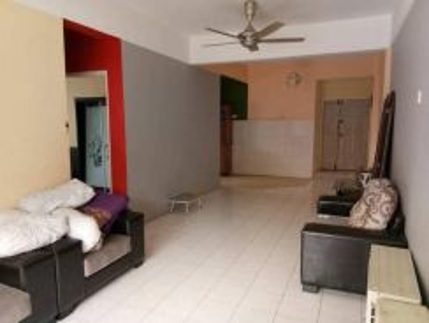 Perdana villa apartment klang [owner nak belanja wardrobe + divan bed]