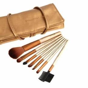Brush makeup naked