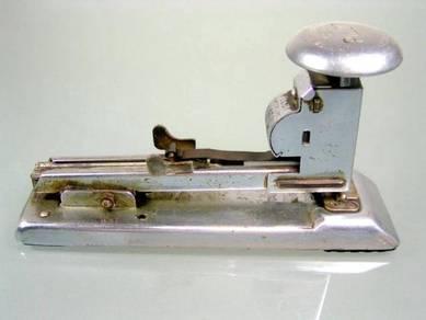 Antique vintage pilot no.402 usa stapler