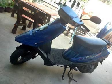 Suzuki V100