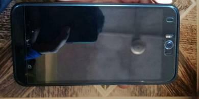Asus zenfone selfie.16gb 3gb ram