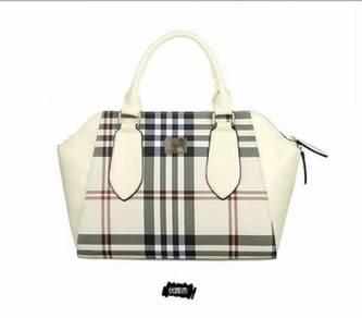 Cream ladies handbag