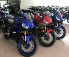 Yamaha R25 v2 - Low DP & 20 Free Gifts Promotion
