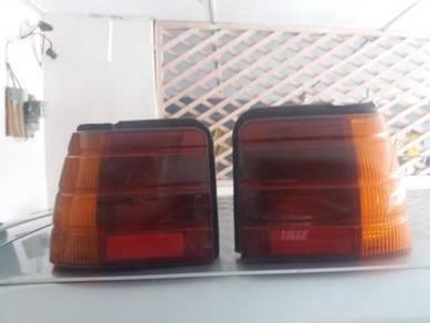 Lampu Belakang Iswara Aeroback