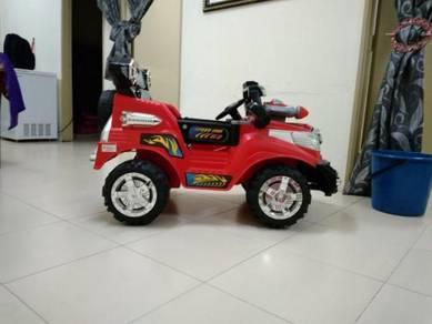 Kereta mainan boleh drive sendiri