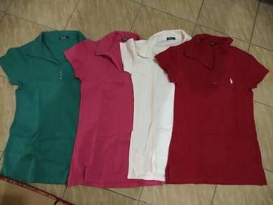 T-shirt polo (tapi bukan original)