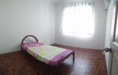 Room for rent at kingdom garden, stapok