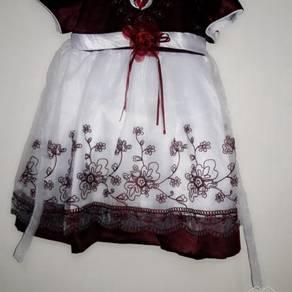 Gown flower girl