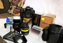 Nikon DSLR D7000 SC#8565 & 2 lens and more