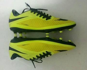Nike hypervenom sports shoe