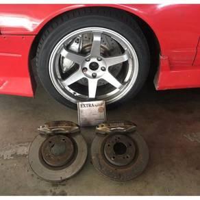 Nissan Skyline GT-R 33. Extra Speed brake pads