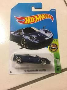Hotwheels 17 Pagani Huayra Roadster