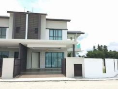 """New House 1.5 Storey Freehold with 0"""" Downpayment"""