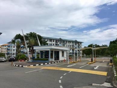Resort/ Melinsung Summer Bay/ Jalan Kinarut/ Papar/ Sea view/ Beach