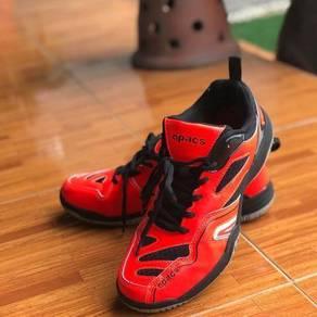 Apacs sports shoes