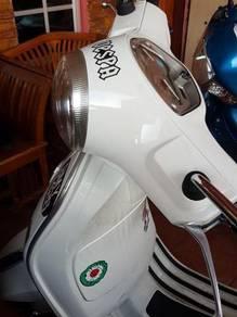2012 Vespa Piaggio LX150