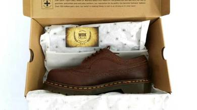 Dr Martens 5 Eye Wingtip Brown