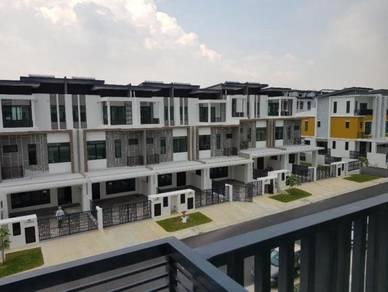 3 Storey Terrace Setia Utama 2, Setia Alam ( Limited )