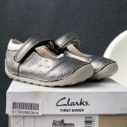 NEW Clarks First Shoes (Little lou)