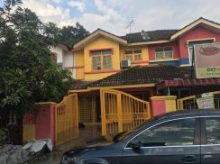 [hot!!] double storey house at puchong perdana to let 5 minute to lrt