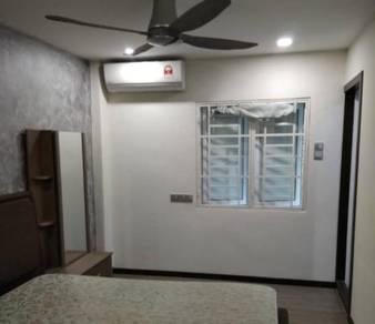 Villa condo master bedroom with attached bathroom