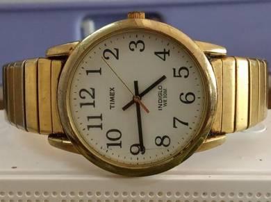 Vintage Timex indiglo watch
