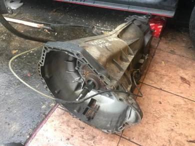 Classic Mercedes W123 M102 Gear Box