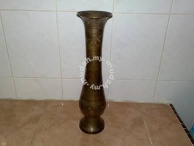 Antique brass vase pasu tembaga antik