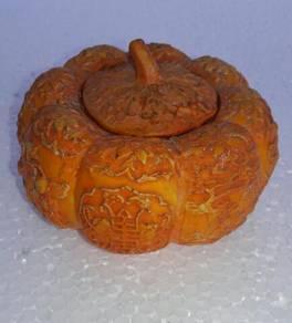 0Ffer-Antiques Porcelain Pumkin Pot