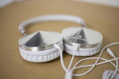 Swarovski sparkling headphones