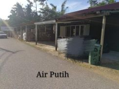 Land size of a banglo house for rent, Kuantan