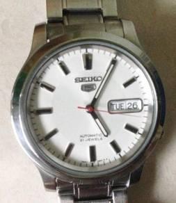 Jam white Ori Seiko 5 Automatic steel watch
