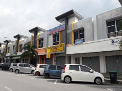 Ground Floor of Double Storey Shoplot in Bandar Laguna Merbok