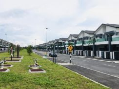 FREEHOLD 20' x 100' Double-Storey Terrace Next to BOTANI Ipoh