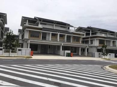 2.5 sty bungalow (zero lot) with lift danau mutiara precint 16