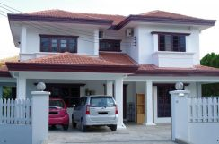 Room to let at Taman Desa Seri near Bulatan Park