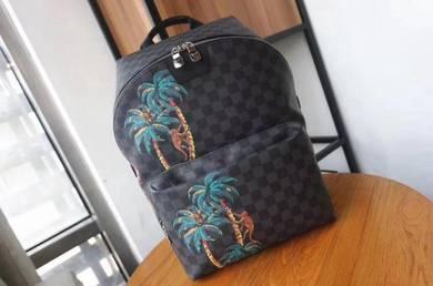 LV Backpack 37cm x 40cm x 20cm