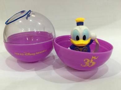 DisneyLand 35 Anniversary Donald Duck Gashapon (1)
