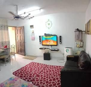 Rumah lawa Blok E dekat masjid flat Desa Pandan Kuala Lumpur