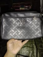 Sling bag LV and Blink�