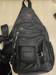 Vanlison sling bag