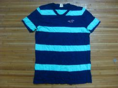 Hollister V-neck Tee size M