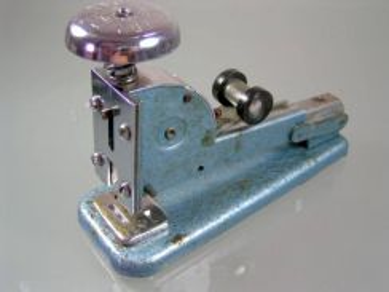 Antique vintage vanguard no.4a england stapler cl